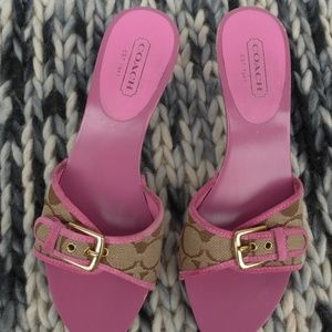 COACH SIGNATURE SANDALS SIZE 8 1/2